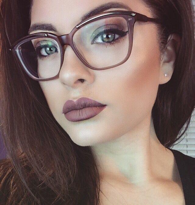 Jaké líčení je vhodné pod brýle?